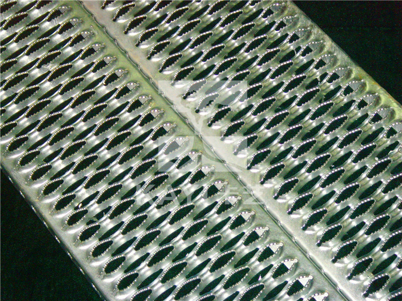Serrated Perforated Grating